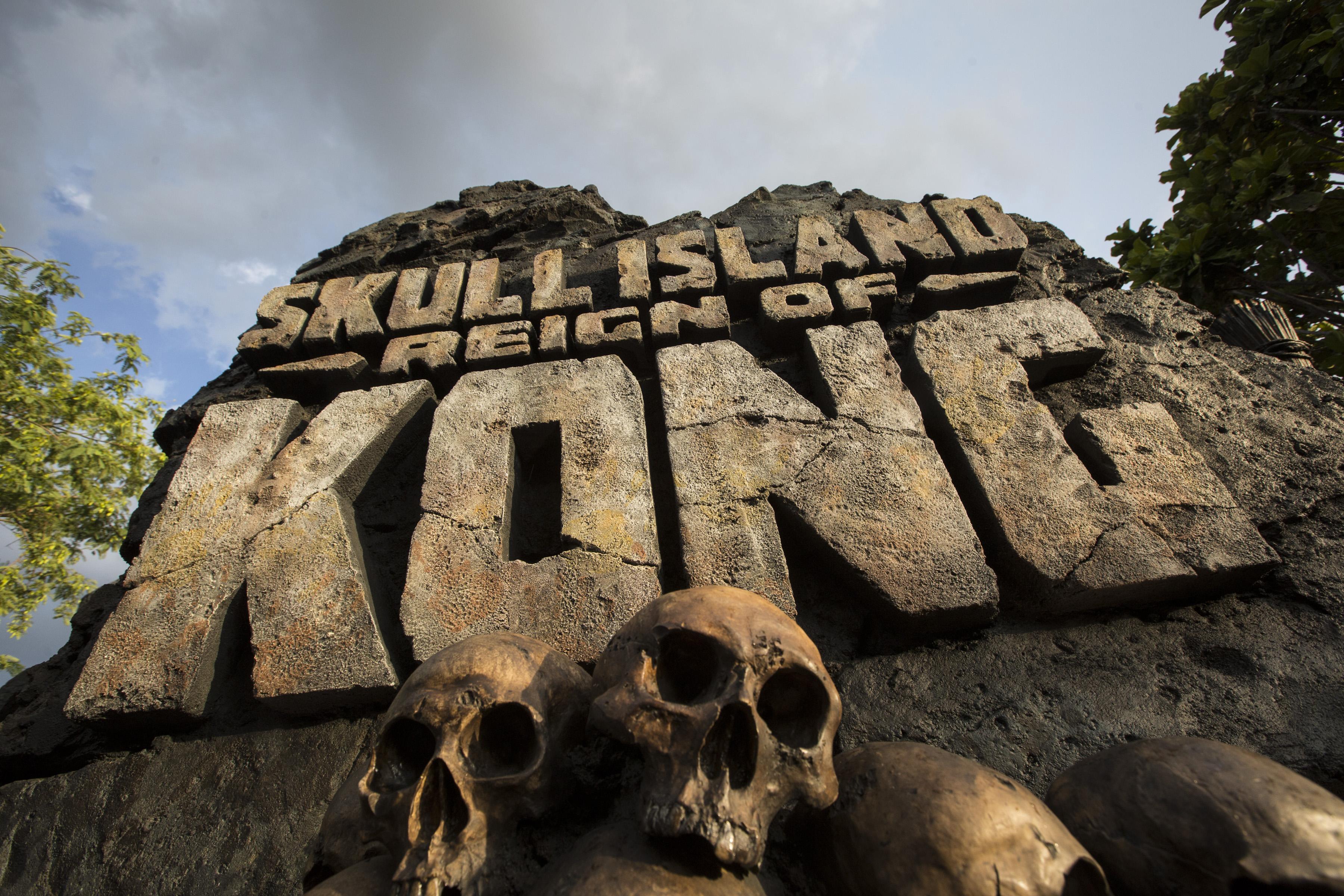 Publicity, signage, Skull Island: Reign of Kong, SIROK, Universal's Islands of Adventure, IOA, Universal Orlando Resort, UOR